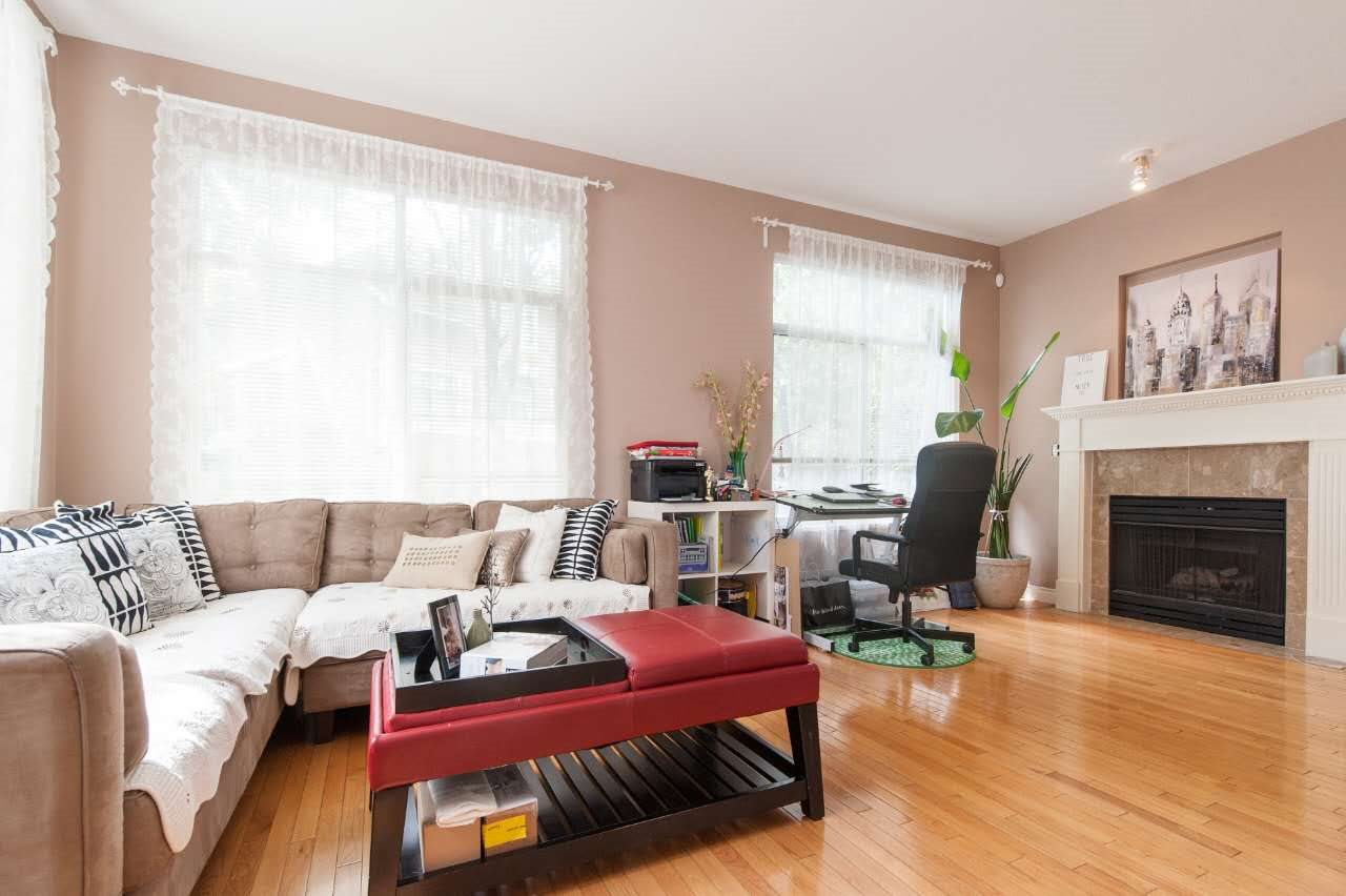 Townhouse at 4 5298 OAKMOUNT CRESCENT, Unit 4, Burnaby South, British Columbia. Image 4