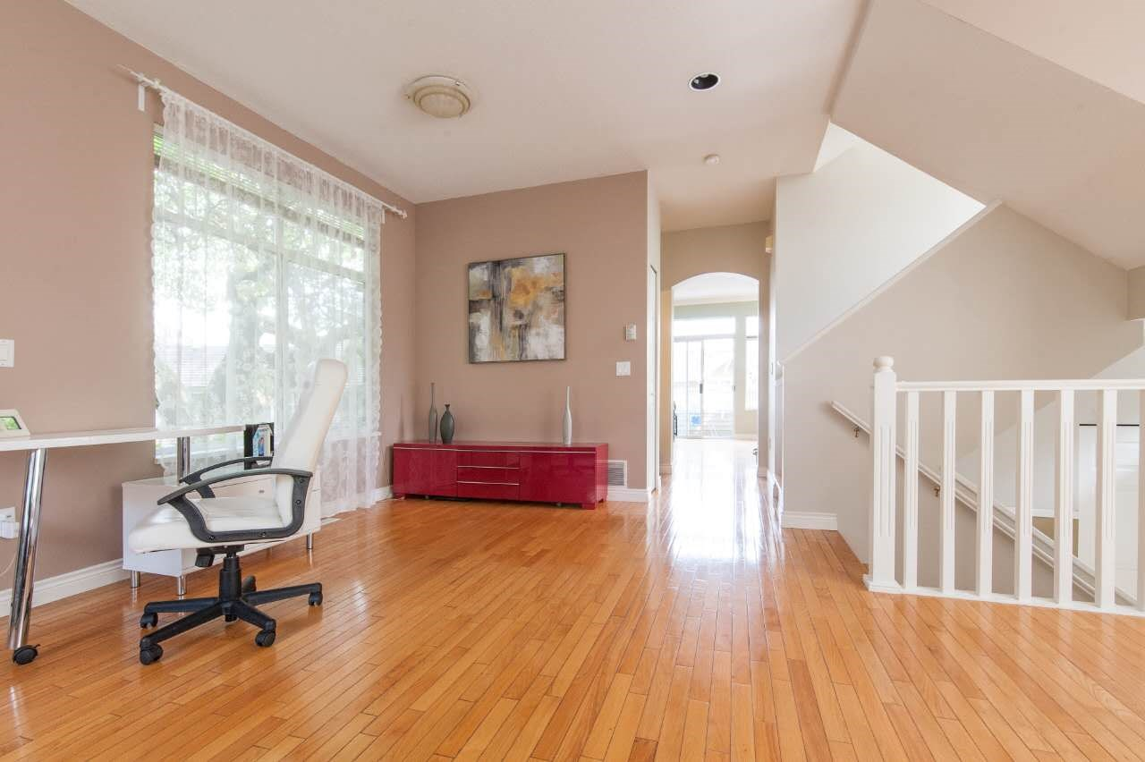 Townhouse at 4 5298 OAKMOUNT CRESCENT, Unit 4, Burnaby South, British Columbia. Image 6
