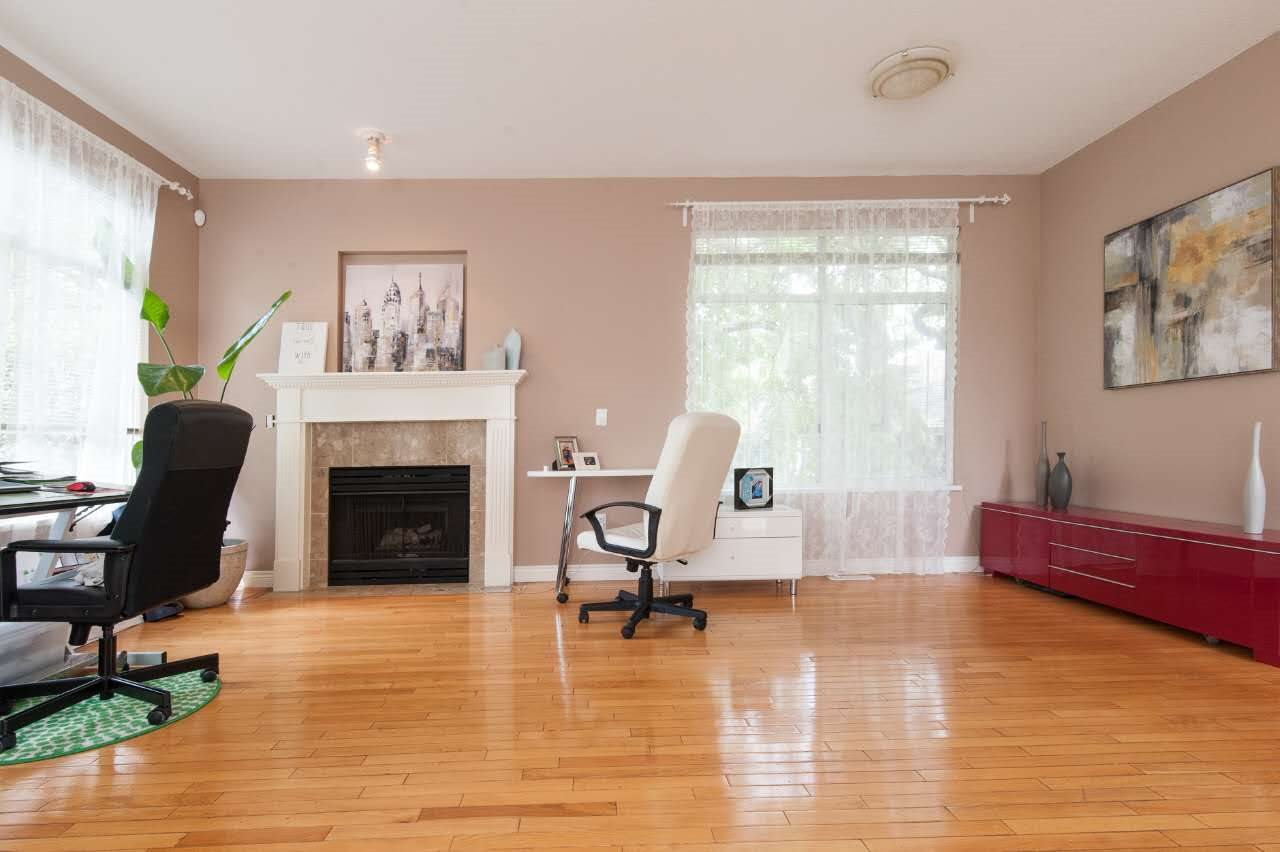 Townhouse at 4 5298 OAKMOUNT CRESCENT, Unit 4, Burnaby South, British Columbia. Image 7