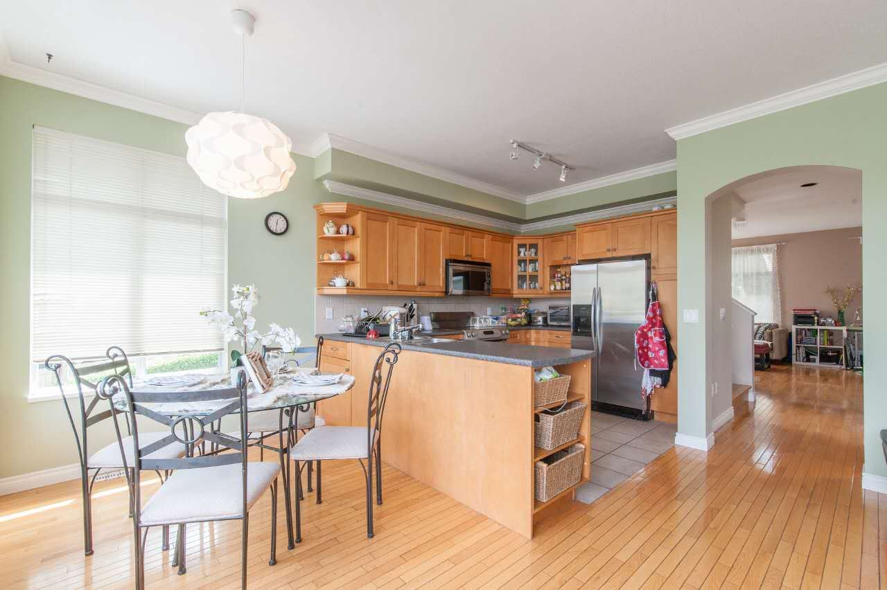 Townhouse at 4 5298 OAKMOUNT CRESCENT, Unit 4, Burnaby South, British Columbia. Image 8