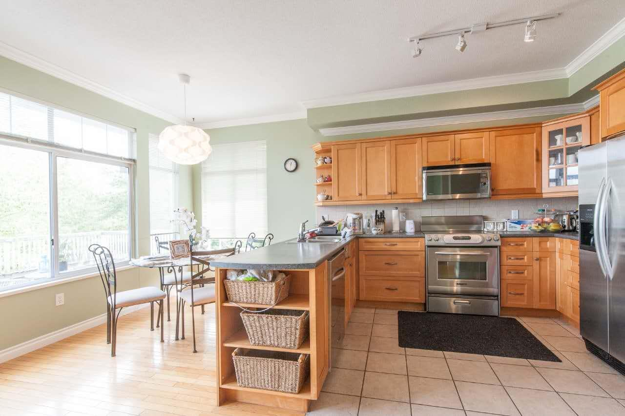 Townhouse at 4 5298 OAKMOUNT CRESCENT, Unit 4, Burnaby South, British Columbia. Image 9