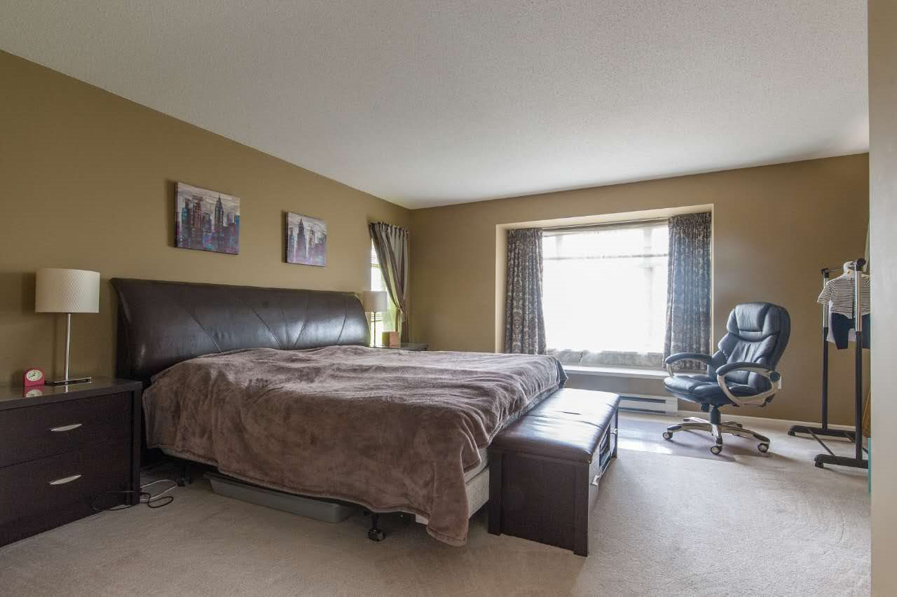 Townhouse at 4 5298 OAKMOUNT CRESCENT, Unit 4, Burnaby South, British Columbia. Image 11