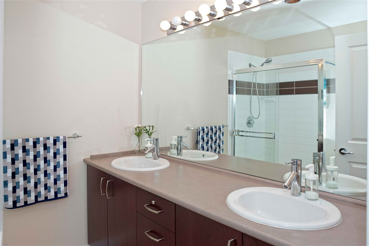 Townhouse at 135 2729 158 AVENUE, Unit 135, South Surrey White Rock, British Columbia. Image 13
