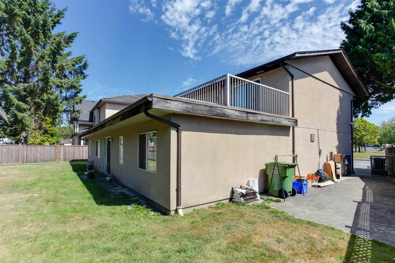Detached at 6351 COLTSFOOT DRIVE, Richmond, British Columbia. Image 19