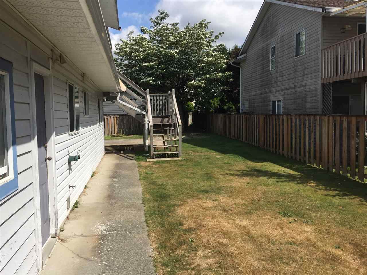 Detached at 3357 270A STREET, Langley, British Columbia. Image 6