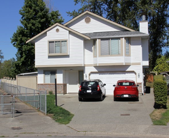 Detached at 9580 215A STREET, Langley, British Columbia. Image 1