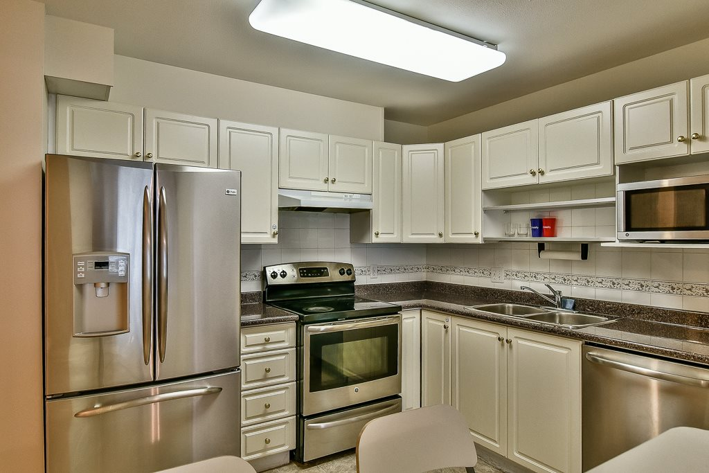 Condo Apartment at 112 12733 72 AVENUE, Unit 112, Surrey, British Columbia. Image 7