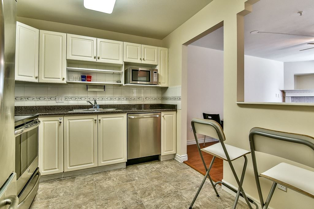Condo Apartment at 112 12733 72 AVENUE, Unit 112, Surrey, British Columbia. Image 9