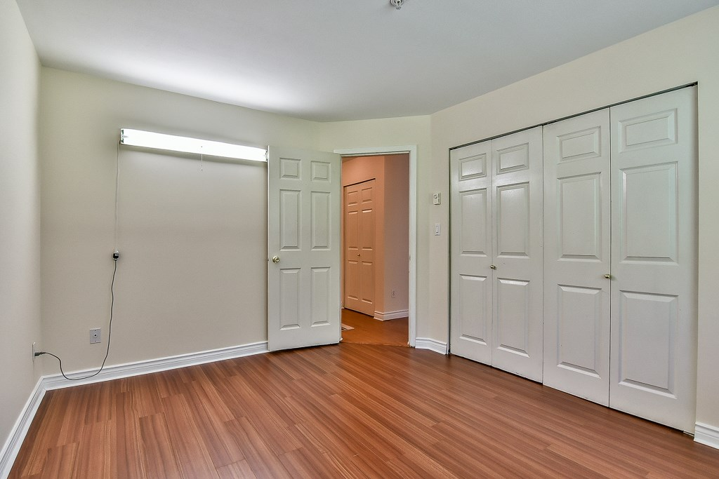 Condo Apartment at 112 12733 72 AVENUE, Unit 112, Surrey, British Columbia. Image 13