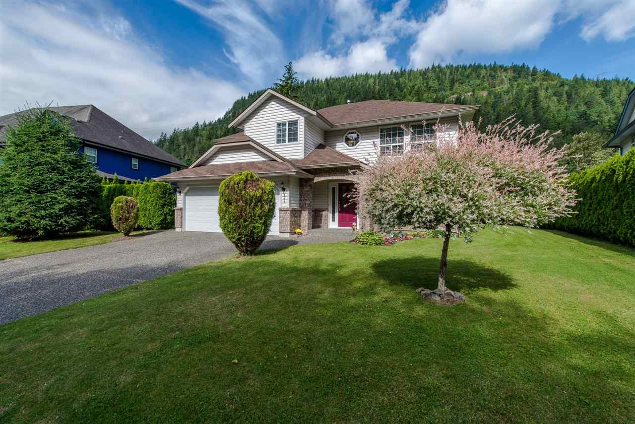 Detached at 868 HOPE PLACE, Harrison Hot Springs, British Columbia. Image 1