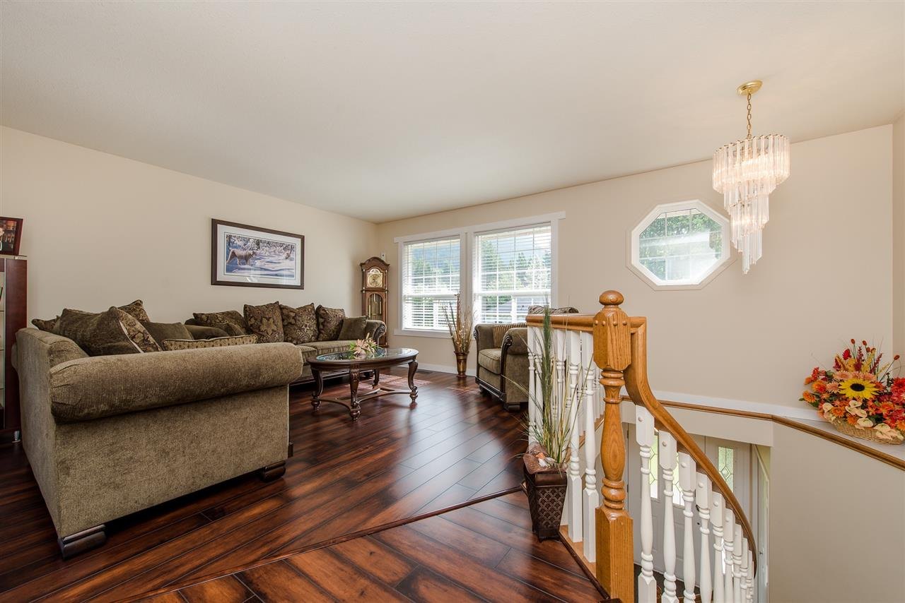 Detached at 868 HOPE PLACE, Harrison Hot Springs, British Columbia. Image 3