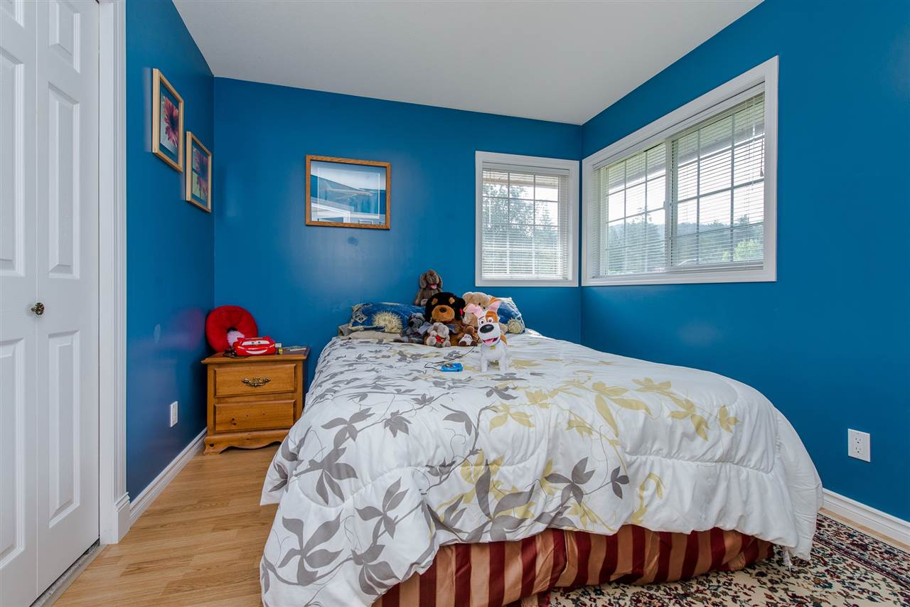 Detached at 868 HOPE PLACE, Harrison Hot Springs, British Columbia. Image 11