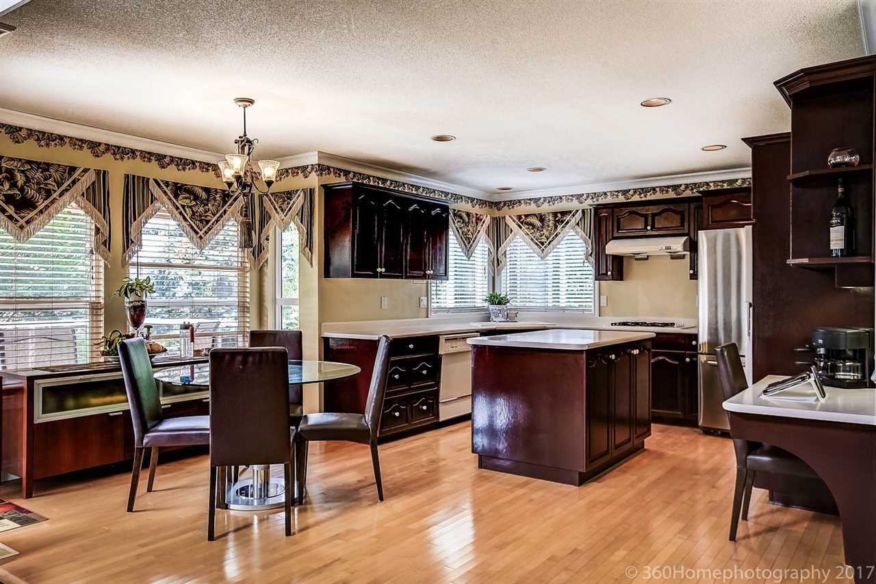Detached at 15381 SEQUOIA DRIVE, Surrey, British Columbia. Image 7