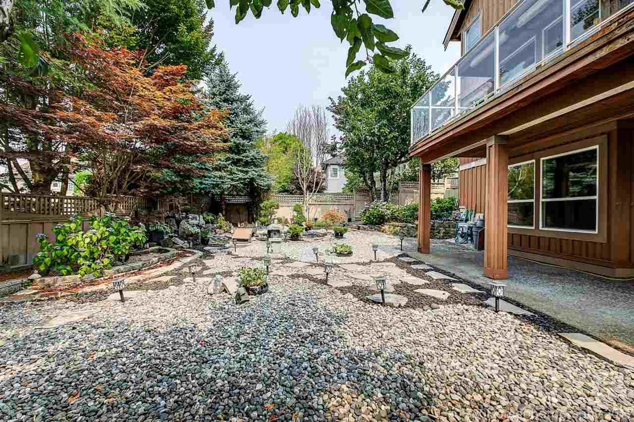 Detached at 15381 SEQUOIA DRIVE, Surrey, British Columbia. Image 17