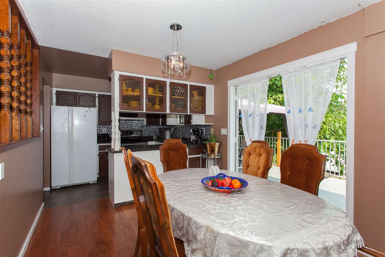 Detached at 9690 HILLIER STREET, Chilliwack, British Columbia. Image 4