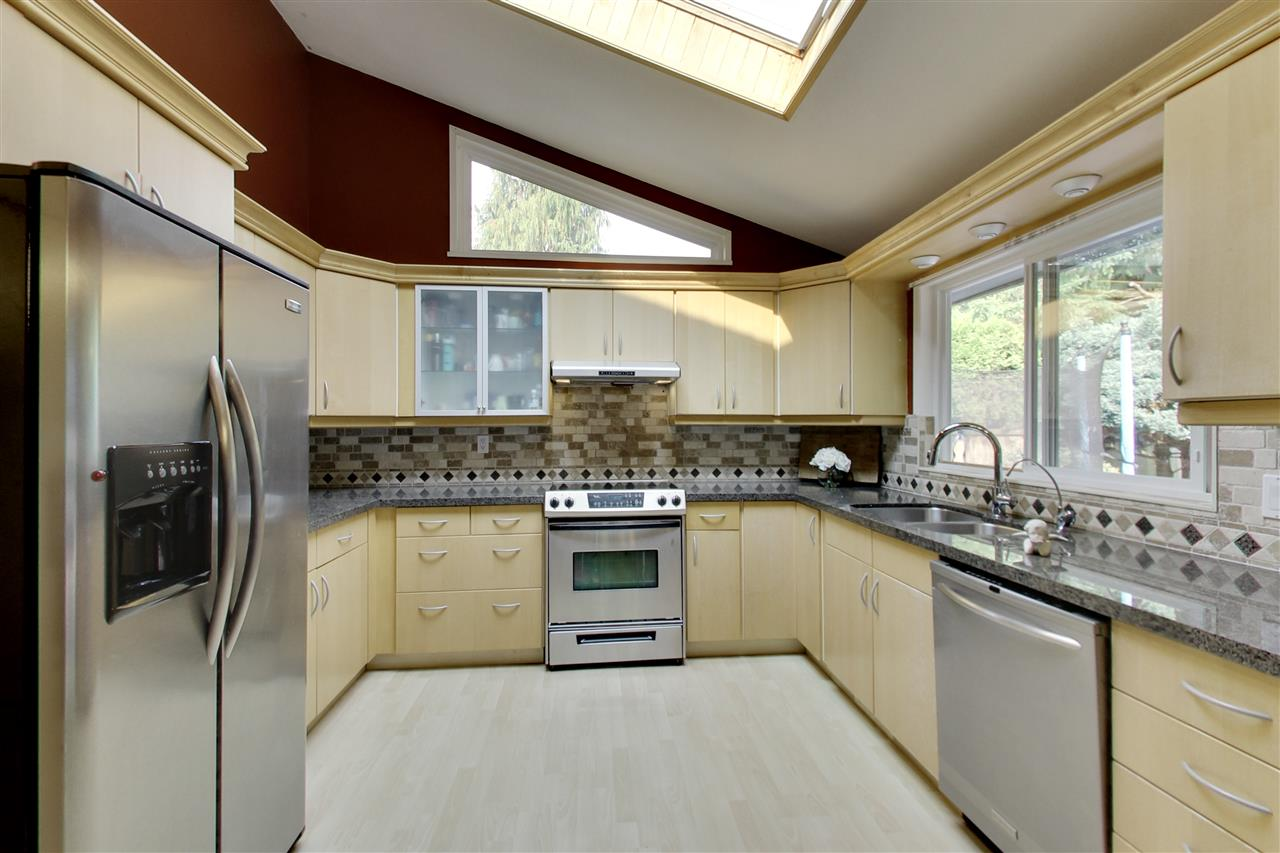 Detached at 11441 COMMONWEALTH CRESCENT, N. Delta, British Columbia. Image 7
