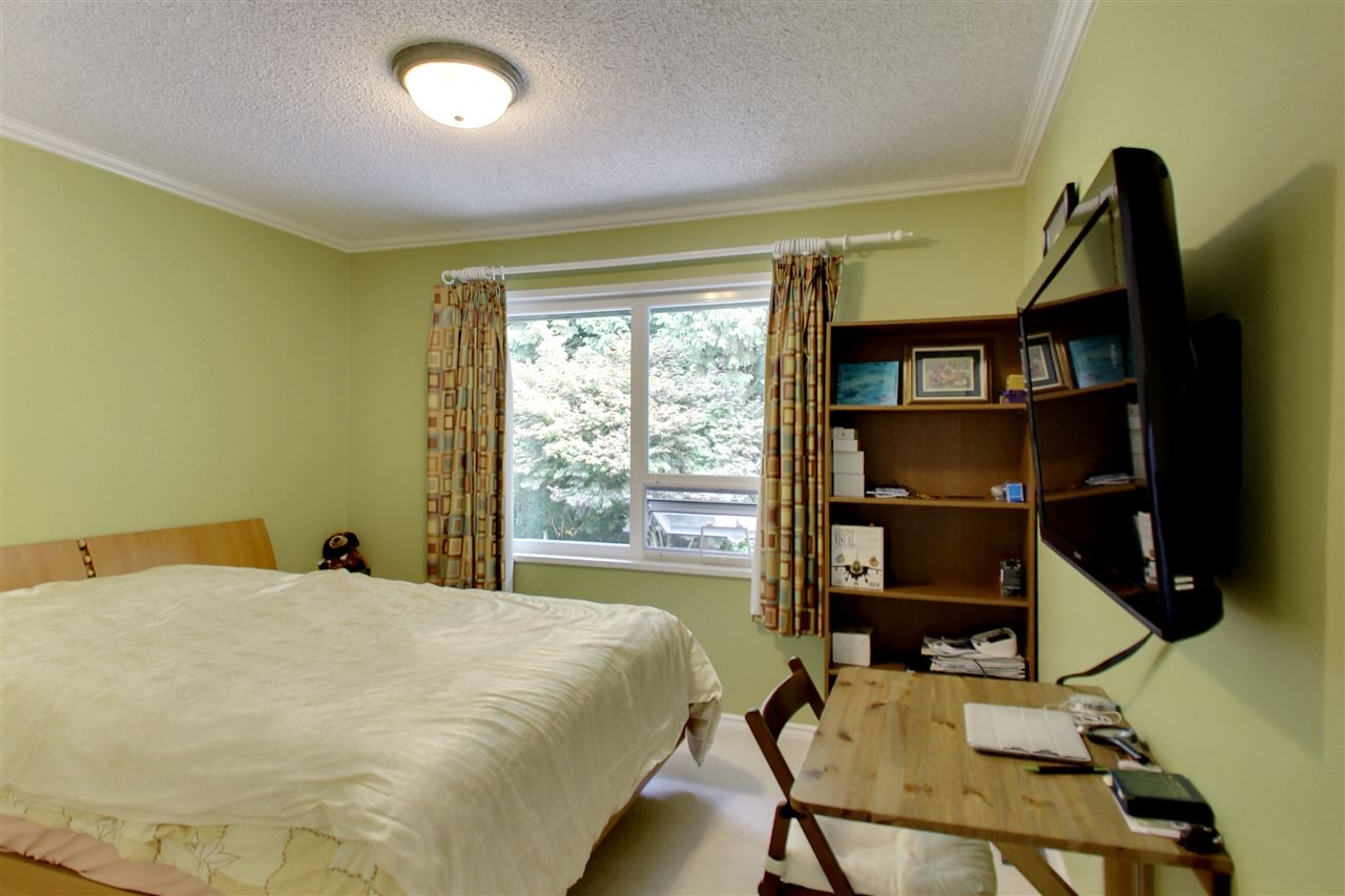 Detached at 11441 COMMONWEALTH CRESCENT, N. Delta, British Columbia. Image 13