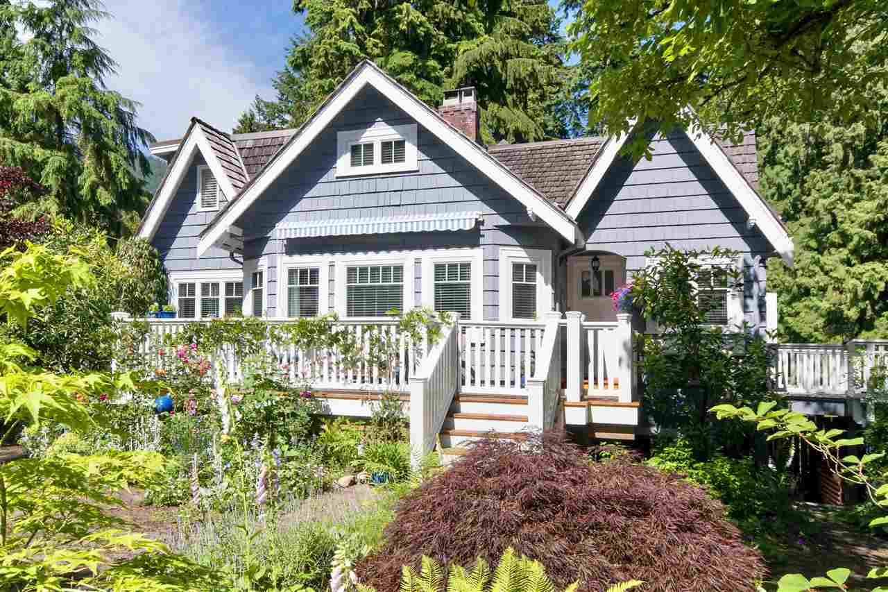 Detached at 1810 29TH STREET, West Vancouver, British Columbia. Image 1