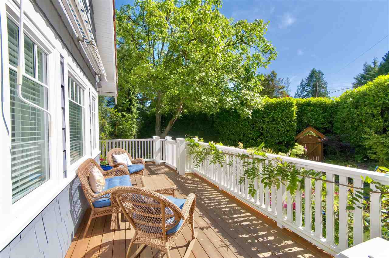 Detached at 1810 29TH STREET, West Vancouver, British Columbia. Image 2