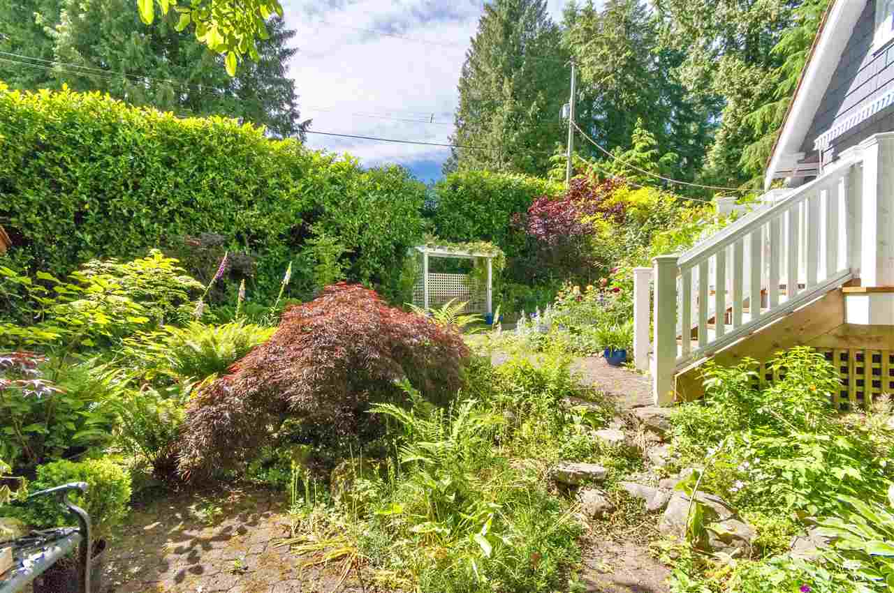 Detached at 1810 29TH STREET, West Vancouver, British Columbia. Image 3