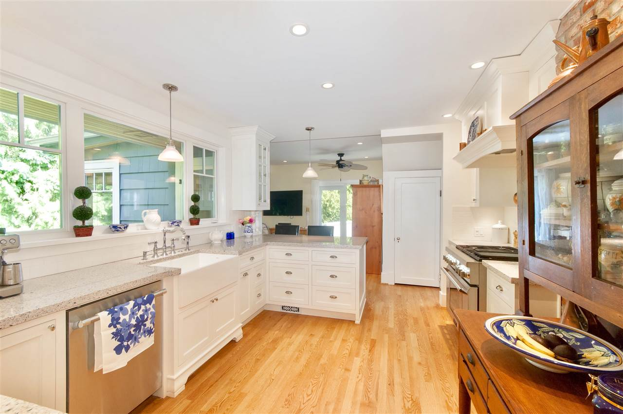 Detached at 1810 29TH STREET, West Vancouver, British Columbia. Image 10