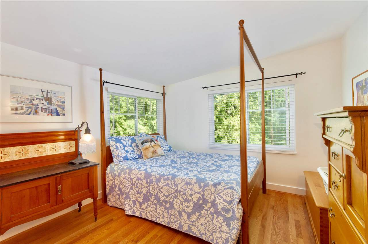 Detached at 1810 29TH STREET, West Vancouver, British Columbia. Image 15