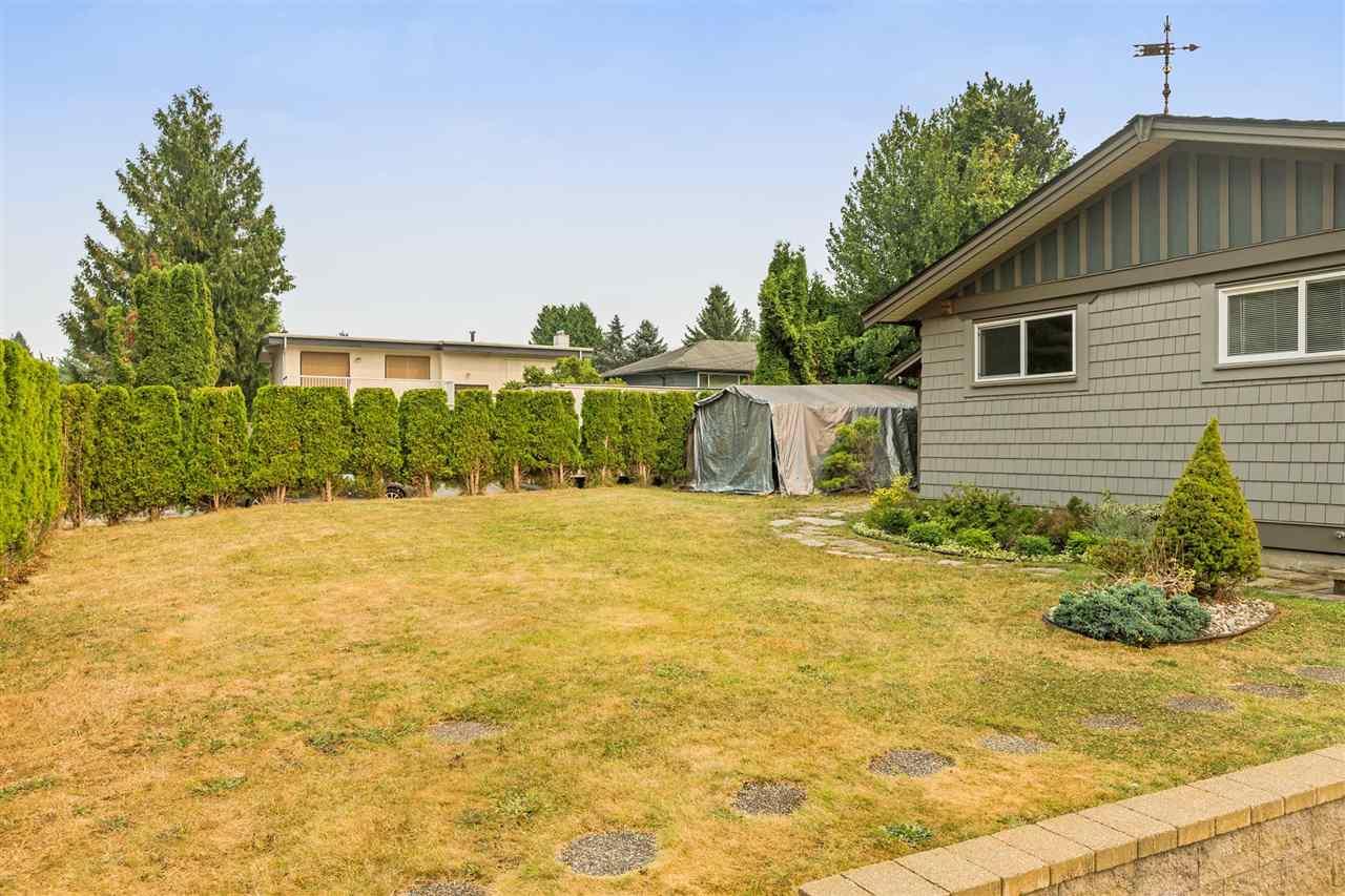 Detached at 20984 118 AVENUE, Maple Ridge, British Columbia. Image 2