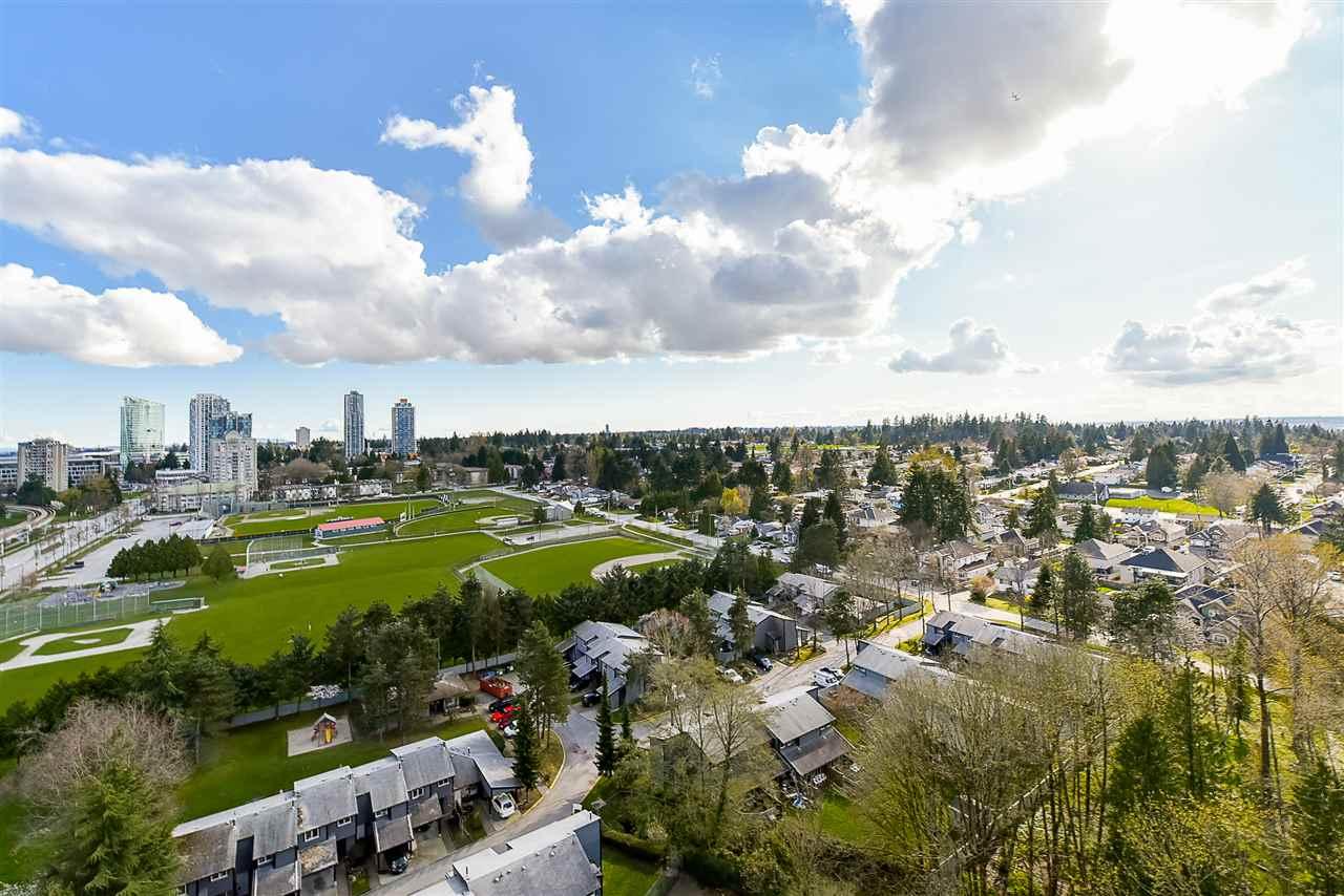 Condo Apartment at 1208 13380 108 AVENUE, Unit 1208, North Surrey, British Columbia. Image 5