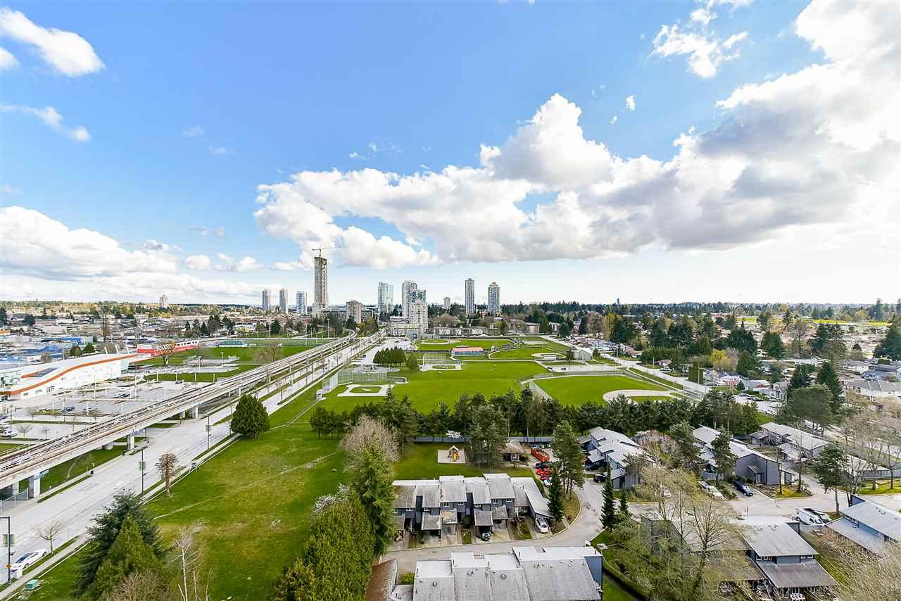 Condo Apartment at 1208 13380 108 AVENUE, Unit 1208, North Surrey, British Columbia. Image 6