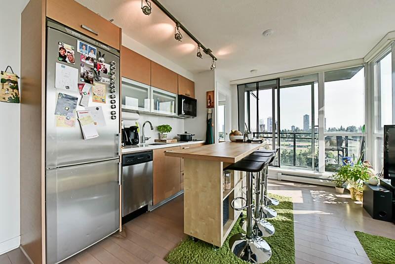 Condo Apartment at 1208 13380 108 AVENUE, Unit 1208, North Surrey, British Columbia. Image 7