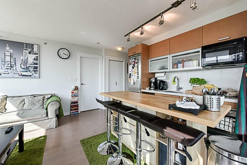 Condo Apartment at 1208 13380 108 AVENUE, Unit 1208, North Surrey, British Columbia. Image 8