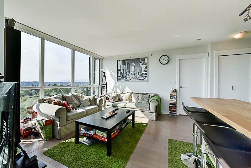 Condo Apartment at 1208 13380 108 AVENUE, Unit 1208, North Surrey, British Columbia. Image 10