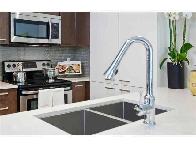 Condo Apartment at 203 2473 ATKINS AVENUE, Unit 203, Port Coquitlam, British Columbia. Image 4