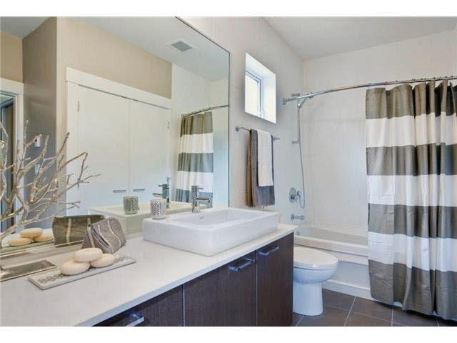 Condo Apartment at 203 2473 ATKINS AVENUE, Unit 203, Port Coquitlam, British Columbia. Image 6