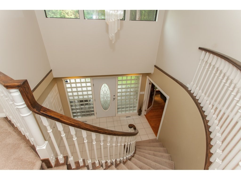Detached at 24286 63 AVENUE, Langley, British Columbia. Image 13