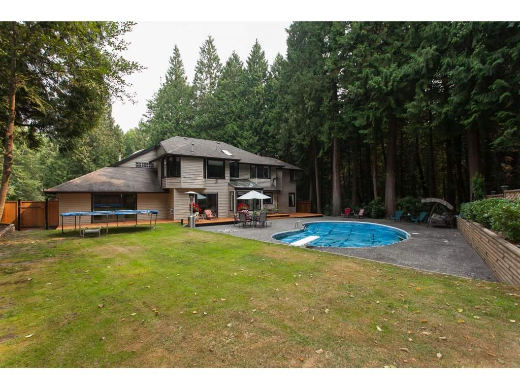 Detached at 24286 63 AVENUE, Langley, British Columbia. Image 19