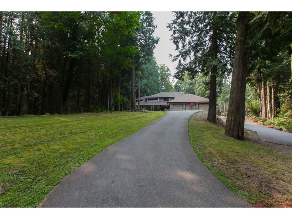 Detached at 24286 63 AVENUE, Langley, British Columbia. Image 20