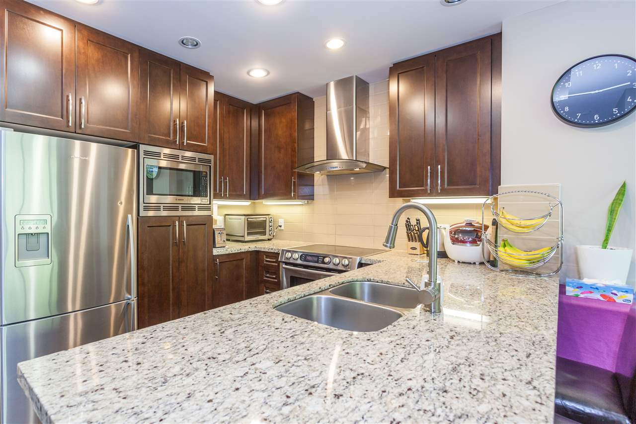 Condo Apartment at 607 1415 PARKWAY BOULEVARD, Unit 607, Coquitlam, British Columbia. Image 2