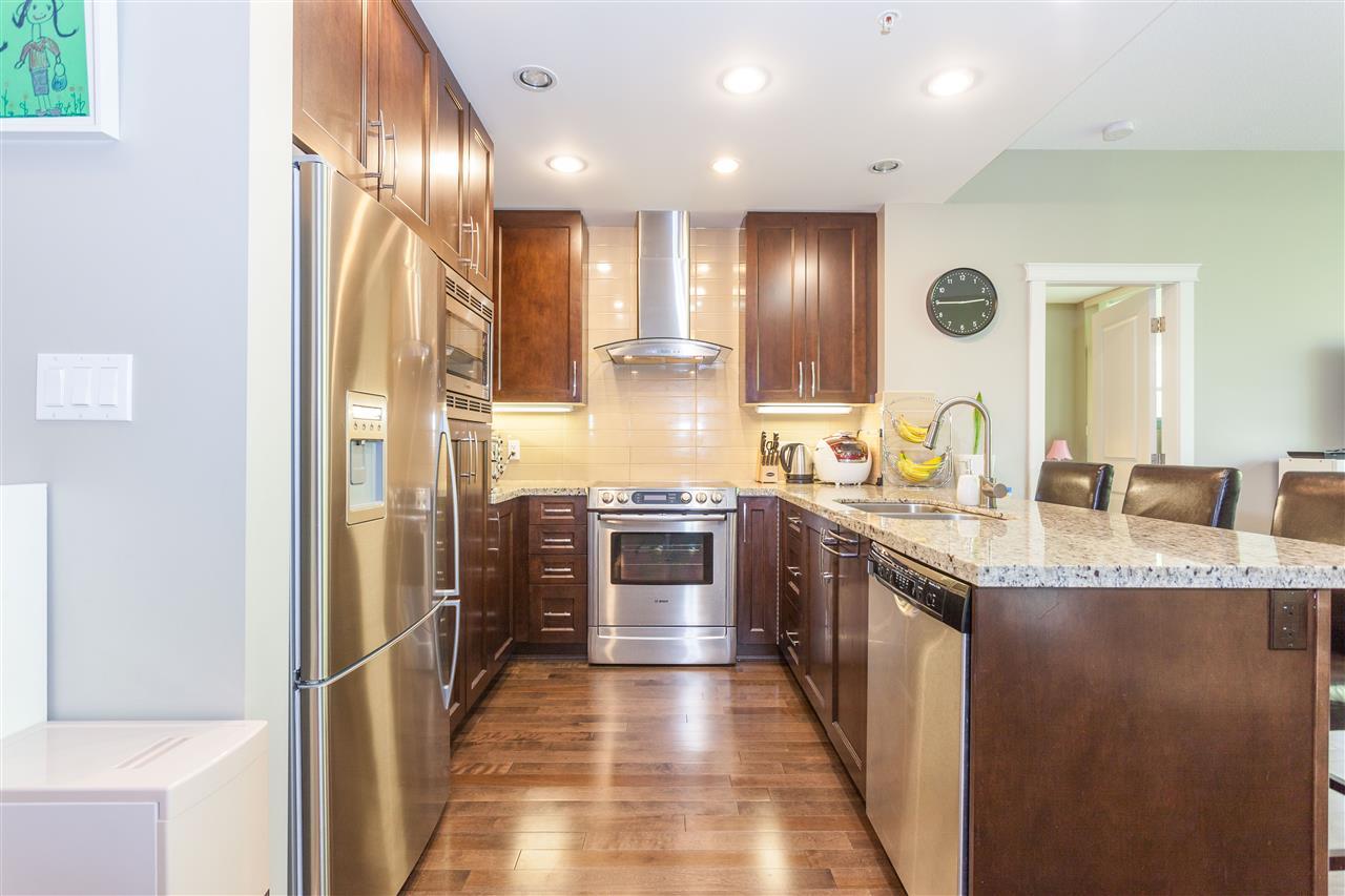 Condo Apartment at 607 1415 PARKWAY BOULEVARD, Unit 607, Coquitlam, British Columbia. Image 4