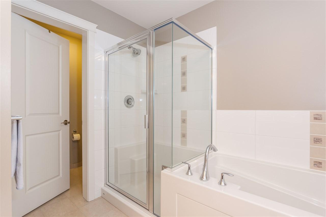 Condo Apartment at 607 1415 PARKWAY BOULEVARD, Unit 607, Coquitlam, British Columbia. Image 13