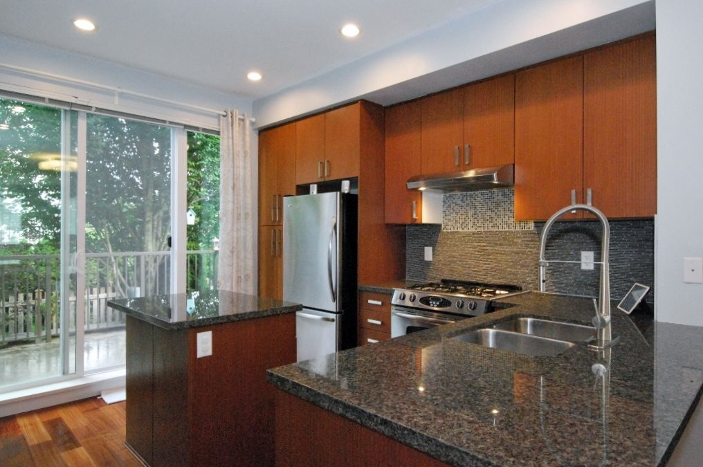 Townhouse at 122 2501 161A STREET, Unit 122, South Surrey White Rock, British Columbia. Image 2
