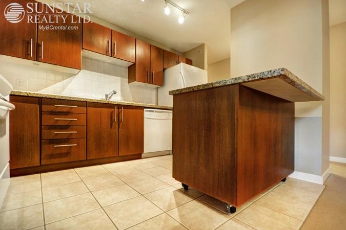 Condo Apartment at 205 2088 MADISON AVENUE, Unit 205, Burnaby North, British Columbia. Image 4
