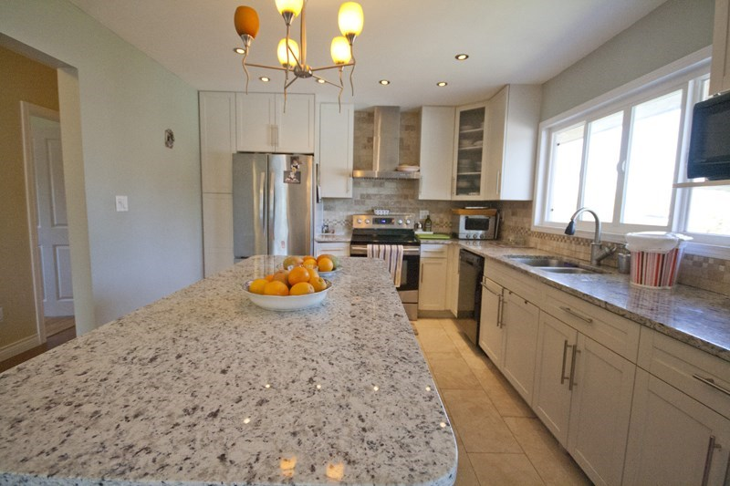 Detached at 6891 BURNS STREET, Burnaby South, British Columbia. Image 4