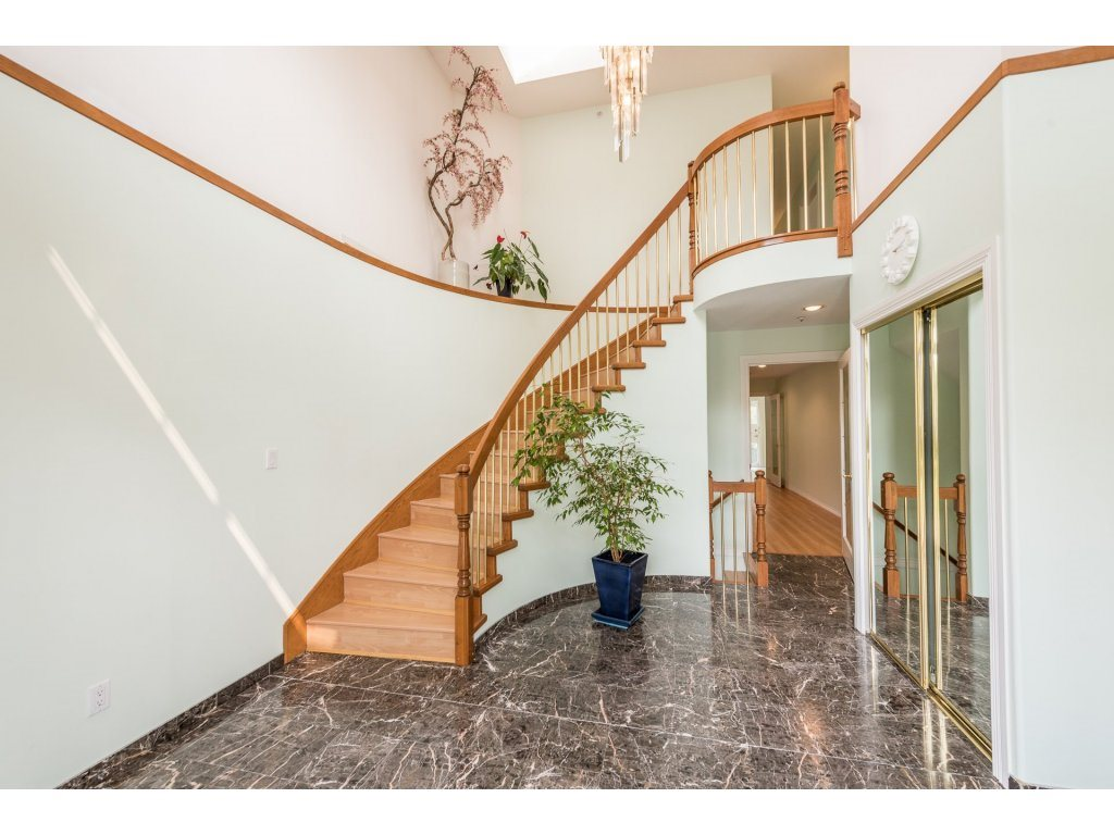 Detached at 4338 ATLIN STREET, Vancouver East, British Columbia. Image 2
