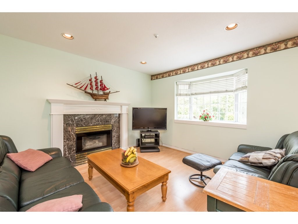 Detached at 4338 ATLIN STREET, Vancouver East, British Columbia. Image 5
