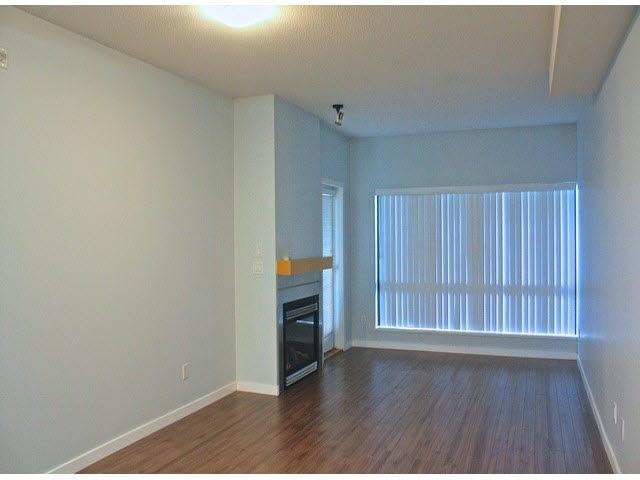 Condo Apartment at 120 10866 CITY PARKWAY, Unit 120, North Surrey, British Columbia. Image 7