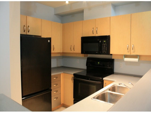 Condo Apartment at 120 10866 CITY PARKWAY, Unit 120, North Surrey, British Columbia. Image 10