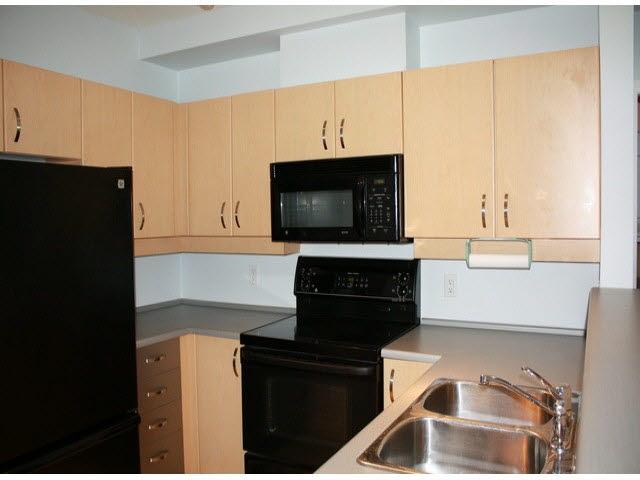 Condo Apartment at 120 10866 CITY PARKWAY, Unit 120, North Surrey, British Columbia. Image 11