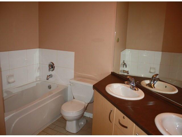 Condo Apartment at 120 10866 CITY PARKWAY, Unit 120, North Surrey, British Columbia. Image 12