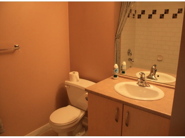 Condo Apartment at 120 10866 CITY PARKWAY, Unit 120, North Surrey, British Columbia. Image 14